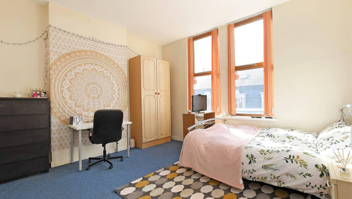 Royal Apartments 4