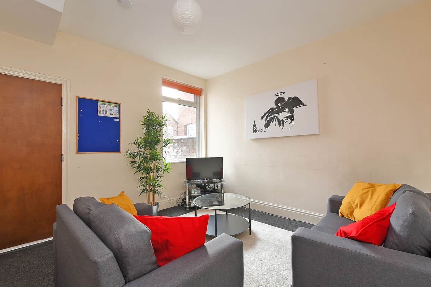 32 Margaret Street – 4 Bed Student Home