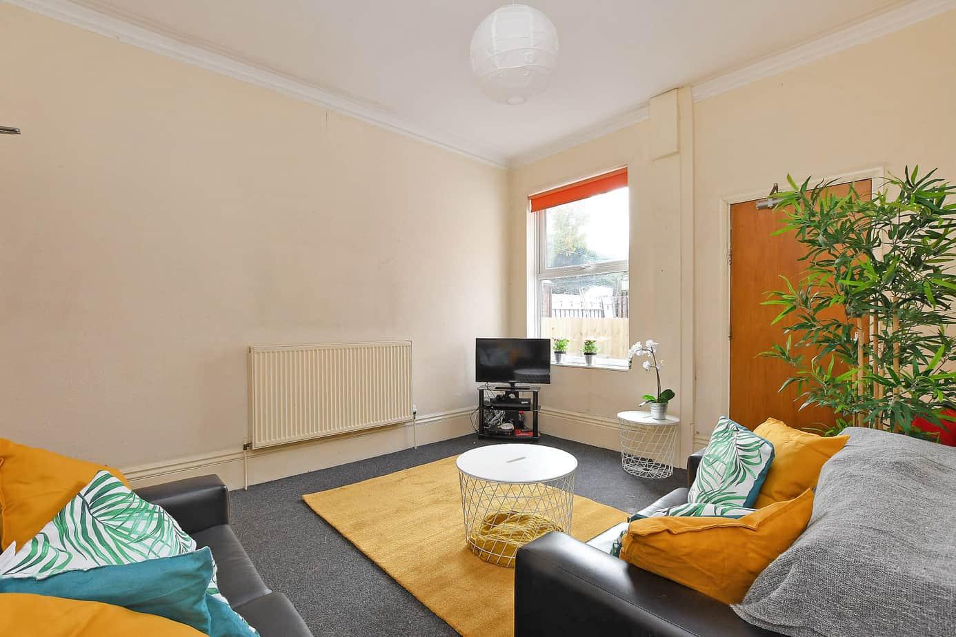 206 Edmund Road – 4 Bed Student Home